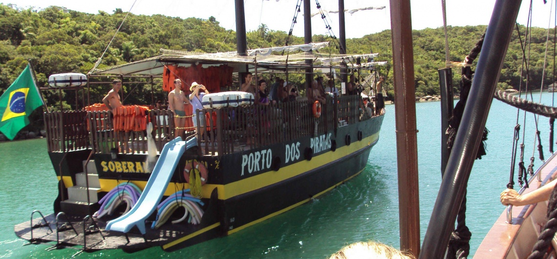 Brasil. Porto Belo. Otra embarcación Pirata buscando pleitos.