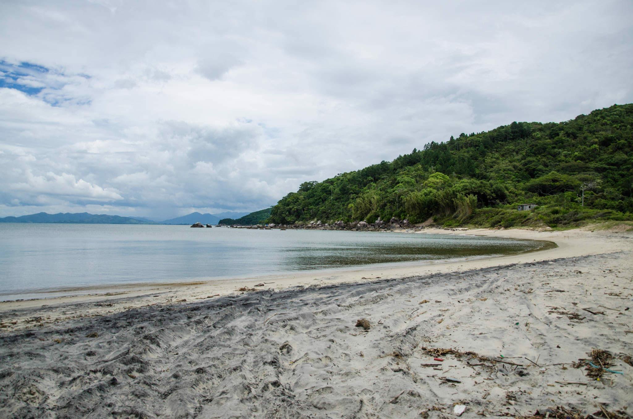 8 praias em Bombinhas pouco frequentadas