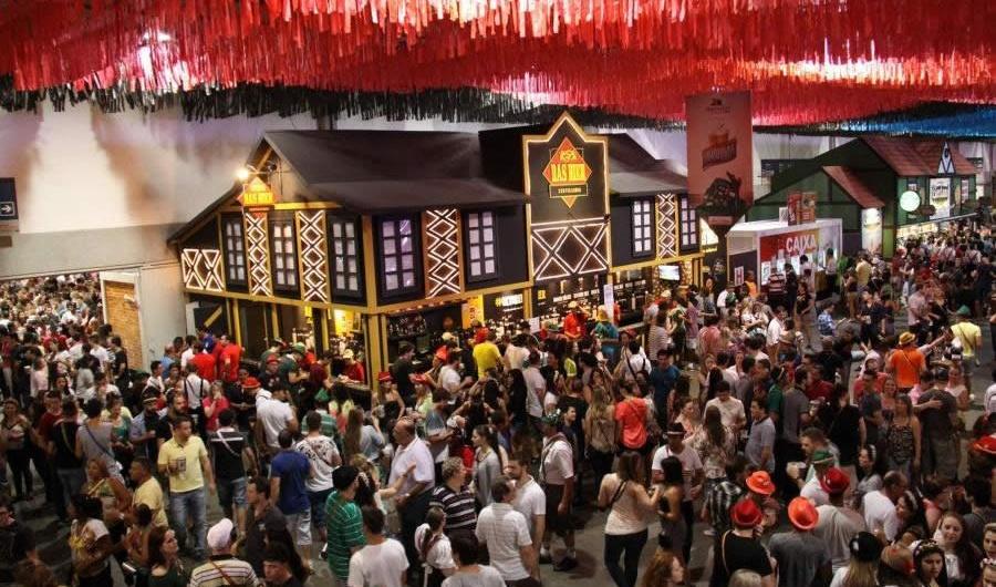 Oktoberfest: onde se hospedar? | Casa do Turista - SC