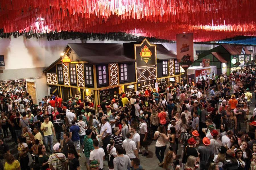 Oktoberfest: onde se hospedar?   Casa do Turista - SC