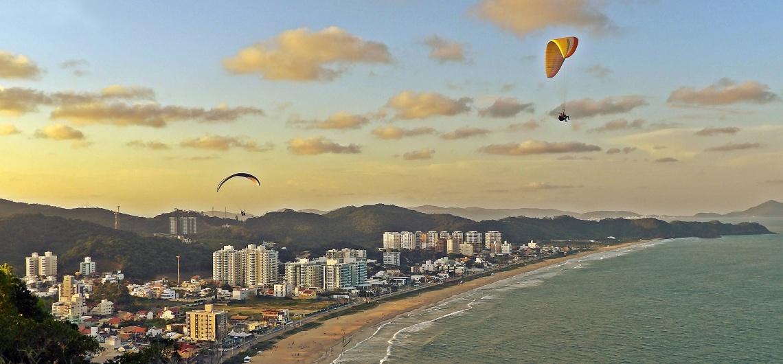 Praia Brava: beleza e badalação entre Balneário Camboriú e Itajaí