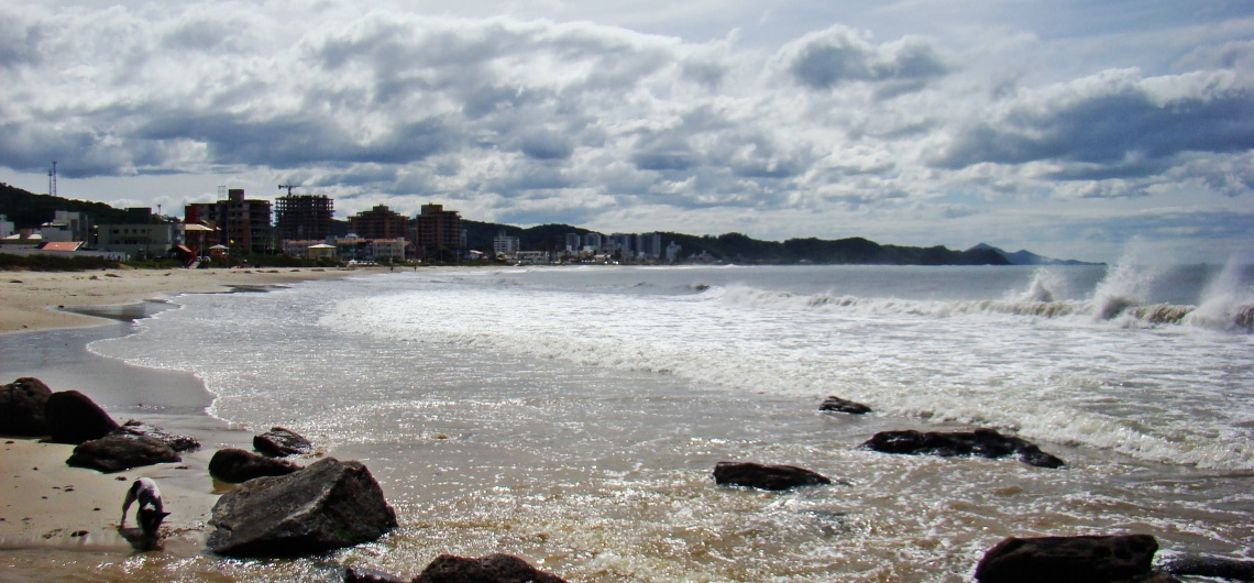 Você conhece a Praia dos Amores, em Balneário Camboriú?