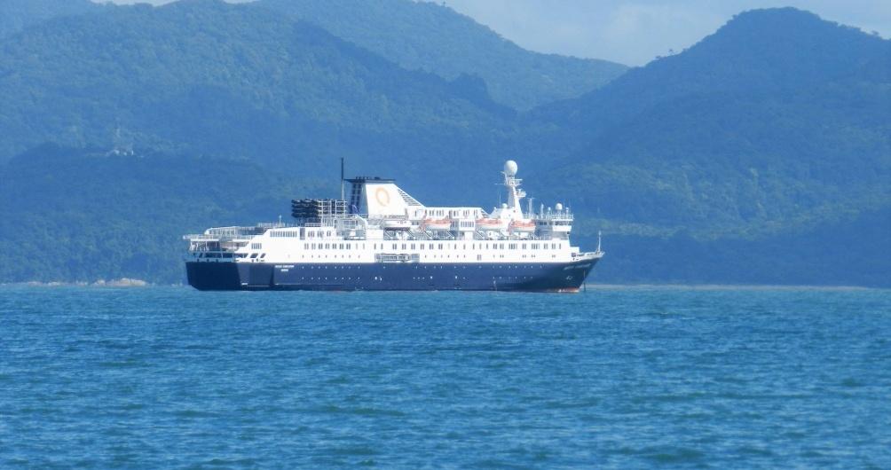 Odean Endeavor - Porto Belo - Brasil - Cruise Ship II