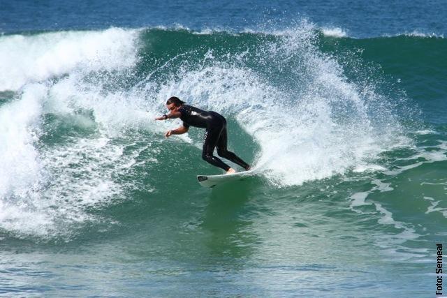 A prática de Surf nas praias de Bombinhas