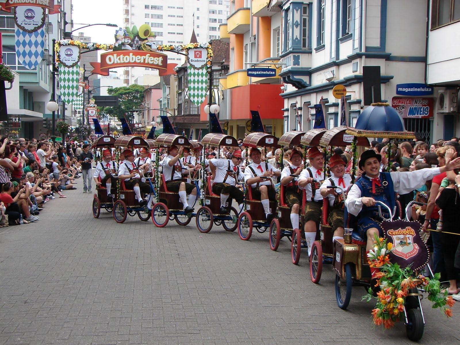 Vai a Oktoberfest em Blumenau? Confira dicas para planejar sua viagem!
